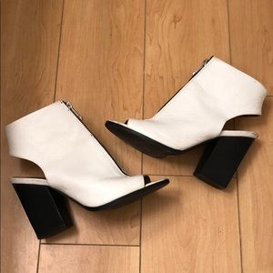 Report Signature - Brynna White Bootie